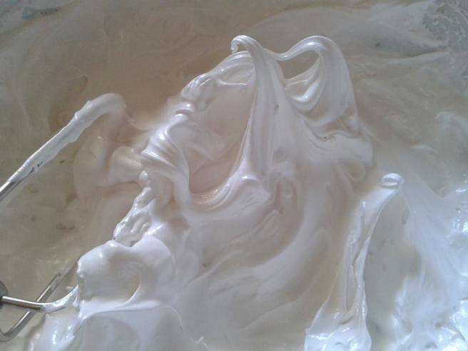 marshmallow frosting 2
